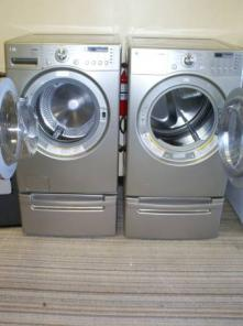 PLATINUM LG TROMM WASHER AND DRYER SET